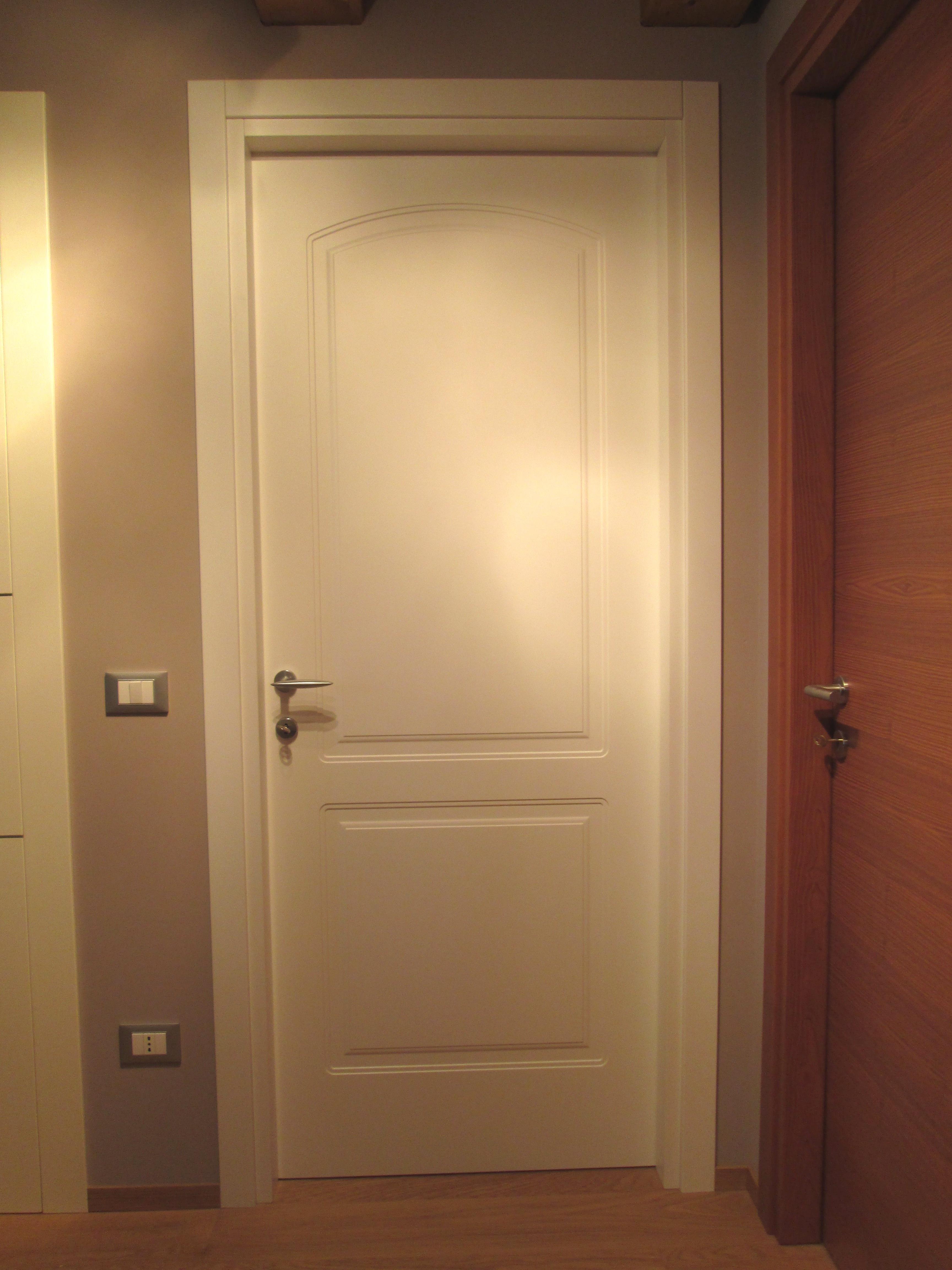 Prodotti e servizi falegnameria pozza danilo - Laccatura porte interne ...